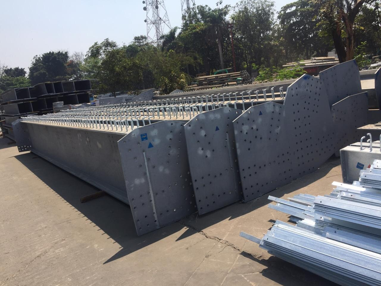 Yambala-fabrikasi-jembatan-hot-deep-galvanise-009